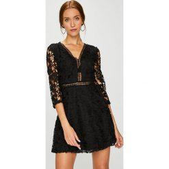 Answear - Sukienka. Szare sukienki damskie ANSWEAR, z koronki, casualowe. W wyprzedaży za 119.90 zł.