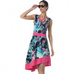 Sukienka w kolorze czarno-różowo-turkusowym. Czarne sukienki damskie Ostatnie sztuki w niskich cenach, z asymetrycznym kołnierzem. W wyprzedaży za 339.95 zł.