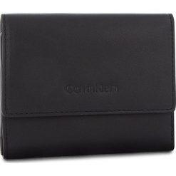 Mały Portfel Damski CALVIN KLEIN - Serene Small Trifold K60K604519 001. Czarne portfele damskie Calvin Klein, ze skóry. Za 349.00 zł.