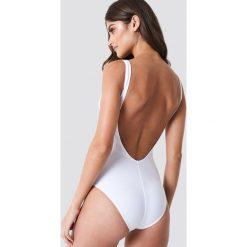 Trendyol Kostium kąpielowy z guzikami - White. Białe kostiumy jednoczęściowe damskie Trendyol. Za 121.95 zł.