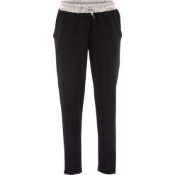 Spodnie dresowe z satynową wstawką, z kolekcji Maite Kelly bonprix czarny. Czarne spodnie dresowe damskie bonprix, z dresówki. Za 89.99 zł.