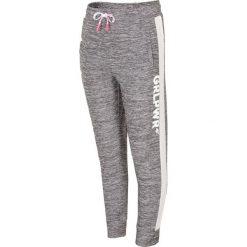 Spodnie sportowe dla małych dziewczynek JSPDTR300 - CIEPŁY JASNY SZARY. Szare spodnie sportowe dla dziewczynek 4F JUNIOR, z dzianiny. W wyprzedaży za 49.99 zł.