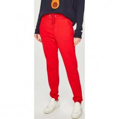 Answear - Spodnie. Czerwone spodnie sportowe damskie ANSWEAR, z bawełny. Za 89.90 zł.