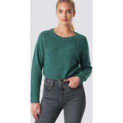 Samsoe & Samsoe Krótki sweter z okrągłym dekoltem Nor - Green. Zielone swetry damskie Samsøe & Samsøe, z okrągłym kołnierzem. Za 404.95 zł.
