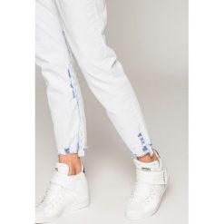 Diesel - Jeansy Neekhol. Niebieskie jeansy damskie Diesel. W wyprzedaży za 539.90 zł.