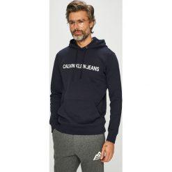 Calvin Klein Jeans - Bluza J30J309528. Czarne bluzy męskie Calvin Klein Jeans, z nadrukiem, z dzianiny. Za 399.90 zł.