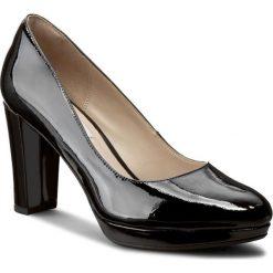Półbuty CLARKS - Kendra Sienna 261188434 Black Patent. Czarne półbuty damskie Clarks, z lakierowanej skóry, eleganckie. W wyprzedaży za 239.00 zł.