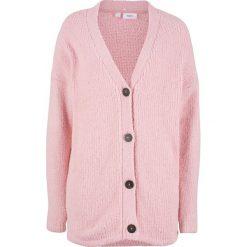 Sweter rozpinany z puszystej przędzy bonprix pastelowy jasnoróżowy. Kardigany damskie marki bonprix. Za 59.99 zł.