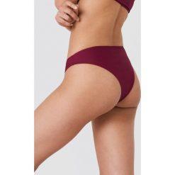 NA-KD Swimwear Dół bikini z wycięciami - Red. Czerwone bikini damskie NA-KD Swimwear. Za 40.95 zł.