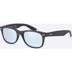 Ray-Ban - Okulary New Wayfarer. Szare okulary przeciwsłoneczne męskie Ray-Ban, z materiału. Za 549.90 zł.