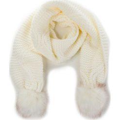 Szal GUESS - AW6800 WOL03 OFF. Białe szaliki i chusty damskie Guess, z materiału. Za 229.00 zł.
