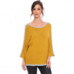 """Sweter """"Cecile"""" w kolorze musztardowym. Żółte swetry damskie Cosy Winter, ze splotem, z okrągłym kołnierzem. W wyprzedaży za 159.95 zł."""