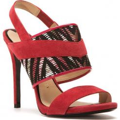 Skórzane sandały w kolorze czerwonym. Czerwone sandały damskie Stella Luna, z materiału. W wyprzedaży za 636.95 zł.