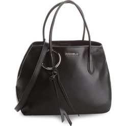 Torebka COCCINELLE - CH0 Fidele E1 CH0 18 01 01 Noir 001. Czarne torebki do ręki damskie Coccinelle, ze skóry. W wyprzedaży za 1,049.00 zł.