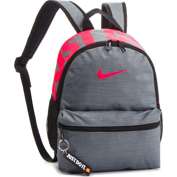 b658eee48c320 Plecak NIKE - BA5559 065 - Szare plecaki damskie marki Nike, z ...
