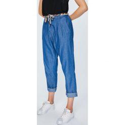 Answear - Spodnie Boho Bandit. Szare spodnie materiałowe damskie ANSWEAR, z bawełny. W wyprzedaży za 79.90 zł.