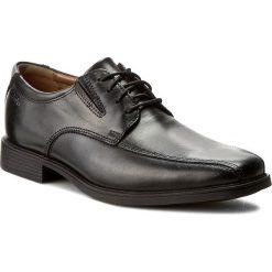 Półbuty CLARKS - Tilden Walk 261103107 Black Leather. Czarne eleganckie półbuty Clarks, z materiału. W wyprzedaży za 199.00 zł.
