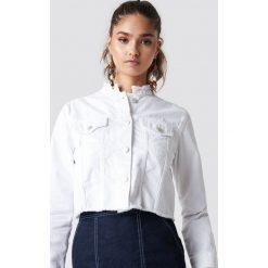 NA-KD Trend Krótka kurtka jeansowa - White. Białe kurtki damskie NA-KD Trend, z denimu. Za 202.95 zł.