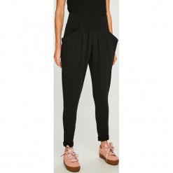 Answear - Spodnie. Szare spodnie materiałowe damskie ANSWEAR, z bawełny. W wyprzedaży za 69.90 zł.