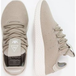 Adidas Originals PW TENNIS HU Tenisówki i Trampki  tech beige/chalk white. Trampki i tenisówki chłopięce adidas Originals, z materiału. Za 379.00 zł.