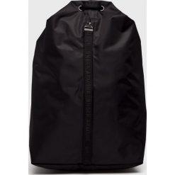 Under Armour - Plecak. Czarne plecaki damskie Under Armour, z poliesteru. Za 149.90 zł.