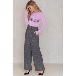 NA-KD Sweter z dzianiny Weekday - Purple. Swetry damskie NA-KD, z dzianiny. W wyprzedaży za 60.89 zł.
