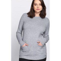 Szary Sweter Regularity. Szare swetry damskie Born2be, na jesień. Za 79.99 zł.