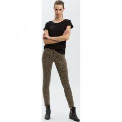 """Dżinsy """"Alan"""" - Skinny fit - w kolorze brązowym. Brązowe jeansy damskie Cross Jeans. W wyprzedaży za 127.95 zł."""