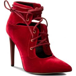 Szpilki CARINII - B3518 J30-000-000-A49. Czerwone szpilki damskie Carinii, z materiału. W wyprzedaży za 199.00 zł.