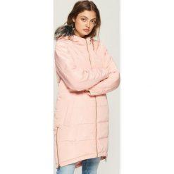 Płaszcz z zamkami - Różowy. Czerwone płaszcze damskie Sinsay. W wyprzedaży za 119.99 zł.
