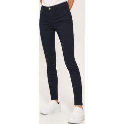 6d7d0f4382bf9 Spodnie męskie ze sklepu House - Kolekcja lato 2019 - Chillizet.pl