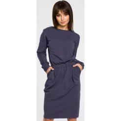 Sukienka z gumką w pasie bee-060. Niebieskie sukienki damskie BEE, z dzianiny. Za 139.90 zł.