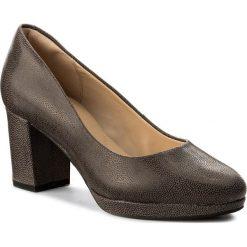 Półbuty CLARKS - Kelda Hope 261310474  Taupe Leather. Brązowe półbuty damskie Clarks, z nubiku. W wyprzedaży za 239.00 zł.