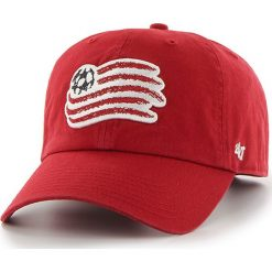 47brand - Czapka New England Revolution. Czerwone czapki i kapelusze męskie 47brand. W wyprzedaży za 69.90 zł.