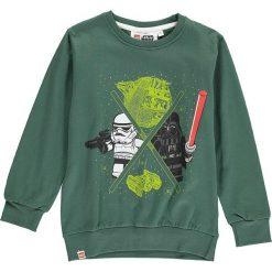 Bluza w kolorze ciemnozielonym. Zielone bluzy dla chłopców marki LEGO Wear. W wyprzedaży za 42.95 zł.