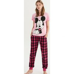 Dwuczęściowa piżama Mickey Mouse - Różowy. Czerwone piżamy damskie Sinsay, z motywem z bajki. Za 69.99 zł.