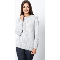 Szary ciepły sweter QUIOSQUE. Szare swetry damskie QUIOSQUE, na zimę, z jeansu, z klasycznym kołnierzykiem. Za 169.99 zł.