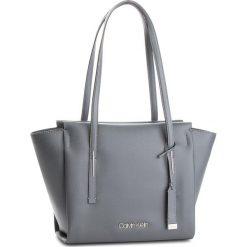 Torebka CALVIN KLEIN - Frame Med Shopper K60K604596 008. Szare torebki shopper damskie Calvin Klein, ze skóry ekologicznej. Za 599.00 zł.