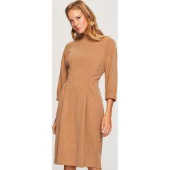 Sukienka w stylu retro - Beżowy. Brązowe sukienki damskie Reserved, retro. Za 159.99 zł.