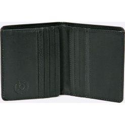 Bugatti - Portfel. Czarne portfele męskie Bugatti, z materiału. W wyprzedaży za 159.90 zł.