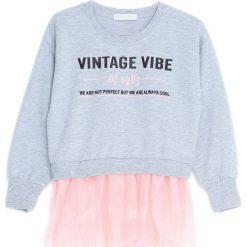 Jasnoszara Bluza Like This Paradise. Szare bluzy dla dziewczynek Born2be. Za 49.99 zł.