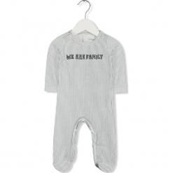 Śpioszki w kolorze biało-granatowym. Białe śpioszki niemowlęce marki Imps & Elfs. W wyprzedaży za 59.95 zł.