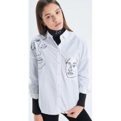 96285d671e8b Koszula o klasycznym kroju - Biały - Koszule damskie marki Cropp. Za ...
