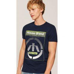 T-shirt Granatowy. Niebieskie t-shirty męskie House. Za 35.99 zł.