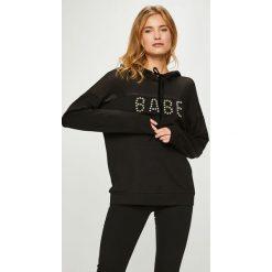 Guess Jeans - Bluza Bebe. Szare bluzy damskie Guess Jeans, z aplikacjami, z bawełny. Za 399.90 zł.