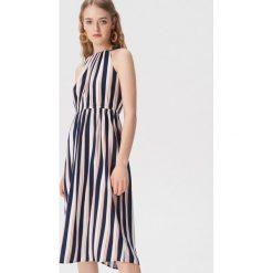 927d85a675 Długa sukienka w paski - Wielobarwny. Sukienki damskie marki Sinsay. Za  79.99 zł.