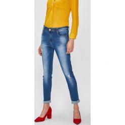 Answear - Jeansy Falling In Autumn. Niebieskie jeansy damskie ANSWEAR. W wyprzedaży za 69.90 zł.