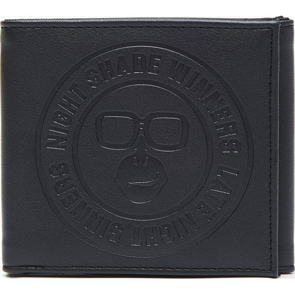 550106a405182 Portfel - Czarny - Portfele męskie marki Cropp. W wyprzedaży za ...