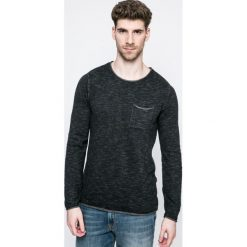 Review - Longsleeve. Czarne bluzki z długim rękawem męskie Review, z bawełny, z okrągłym kołnierzem. W wyprzedaży za 69.90 zł.