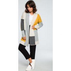 Geometryczny sweter kardigan bk011. Szare kardigany damskie BEE, w geometryczne wzory. Za 129.00 zł.